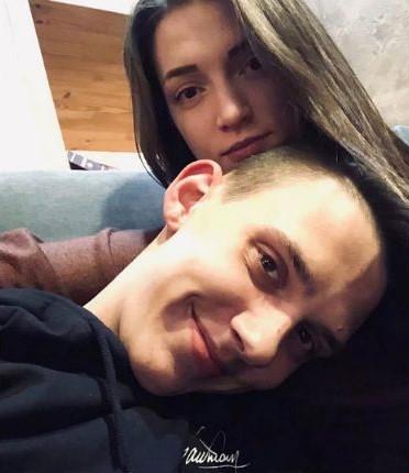 Рэпер Тима Белорусских со своей девушкой Яной