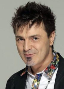 Алексей Потехин на редких гастролях исполняет старые хиты группы и пишет песни на заказ для других артистов