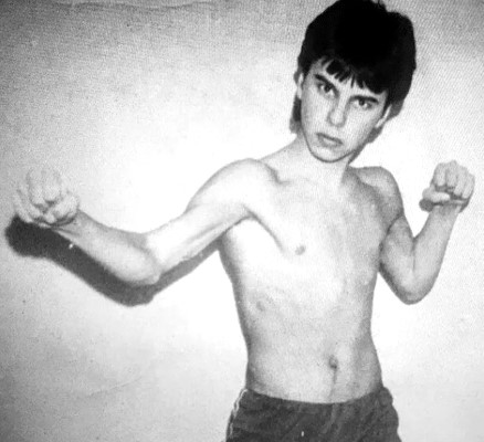 Невзирая на проблемы со здоровьем Максим Фадеев тайком от родителей ходил в секции по боксу и айкидо