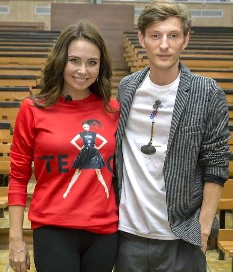 Супруги Павел Воля и Ляйсан Утяшева женаты с 2012 года и воспитывают сына Роберта и дось Софию