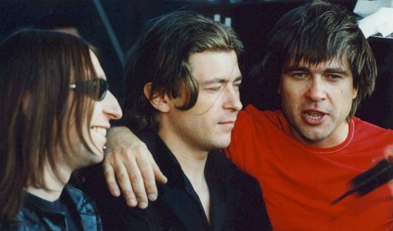 Взлет популярности «Сплина» произошел в результате совместных с рок-группой «Би-2» гастролей «Fellini Tour» по России