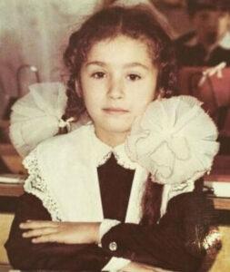 Светлана Лобода, учащаяся средней школы, фотография из детства популярной певицы