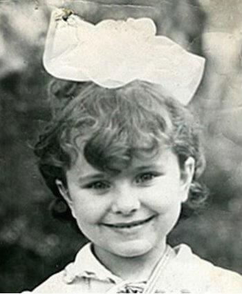 Каролина, будущая Ани Лорак, росла в многодетной семье с мамой, отчимом и братьями