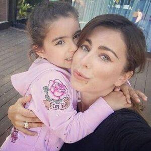 Певица Ани Лорак с дочерью Софией от турецкого гражданина, бывшего мужа Муратом Налчаджиоглу