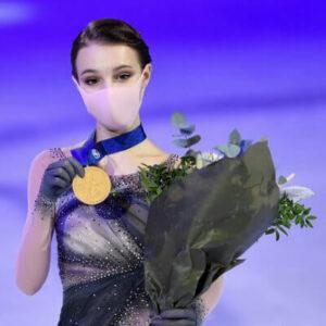 Чемпионка мира 2021 в женском одиночном катании российская фигуристка Анна Щербакова