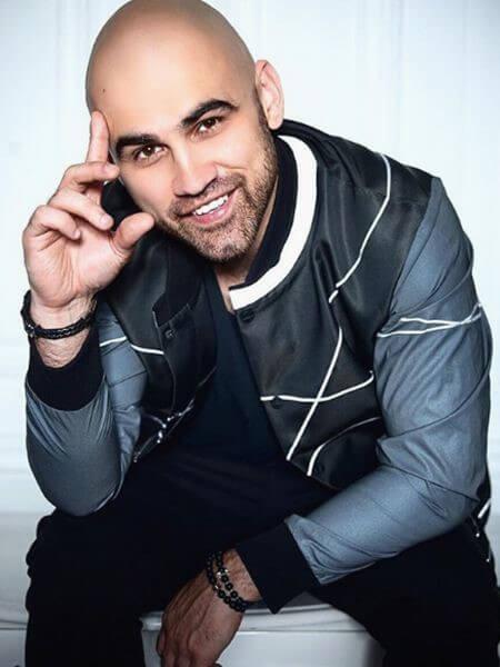 Композитор, продюсер и певец Артем Умрихин родился 9 декабря 1985 года в Запорожье в Украине