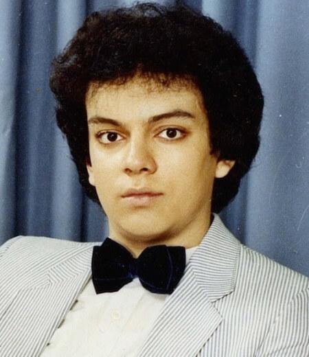 Филипп в 1984 году поступил в музыкальное училище имени Гнесиных, которое окончил с красным дипломом в 1988 году