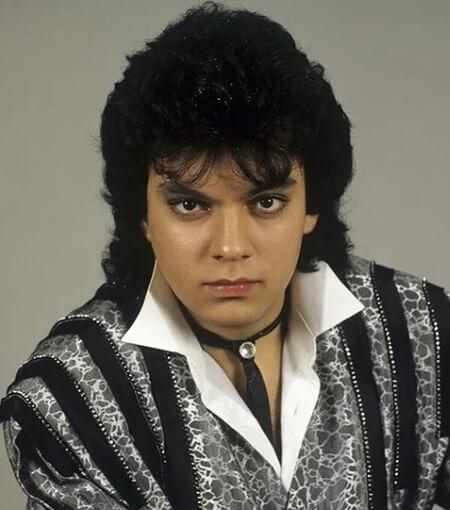 В 1987 году Филипп Киркоров получил предложение выступать на сцене знаменитого «Фридрихштадтпаласт» в Берлине в мюзикле