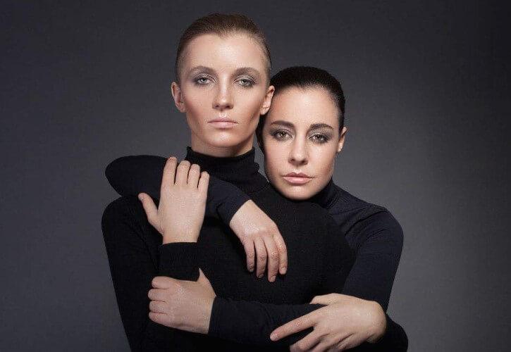2Маши – популярный российский дуэт, который состоит из молодых девушек Марии Шейх и Марии Зайцевой