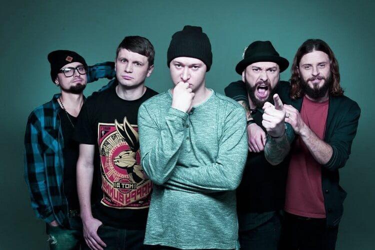 Группа «Бумбокс» создавалась для воплощения в жизнь личных музыкальных идей, но быстро стала очень популярной